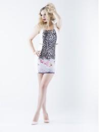 Figurbetontes Kleid mit Laserdruck